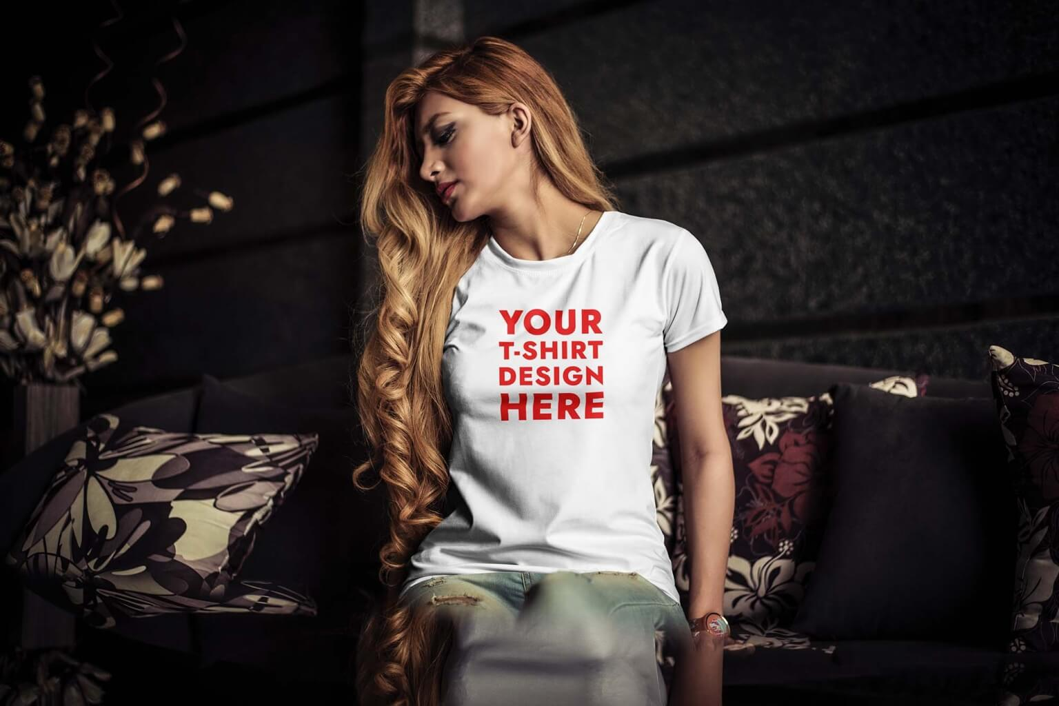 Free Young Woman wearing White T-Shirt Mockup (PSD)