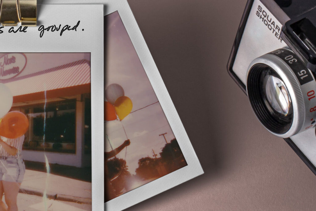 Polaroid-Frames-Scene-Presentation-Mockup-photography-picture-retro-ipad-device-psd-graphic