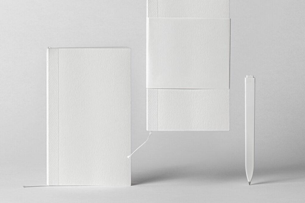 Free Elegant Cotton Notebook Mockup PSD Template6