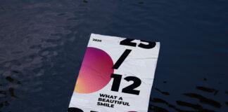 Free Realistic Soaking Poster Mockup PSD Template1