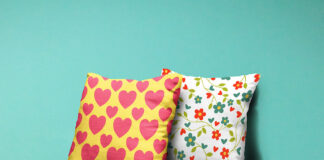 Free Fantastic Pillows Mockup PSD Template