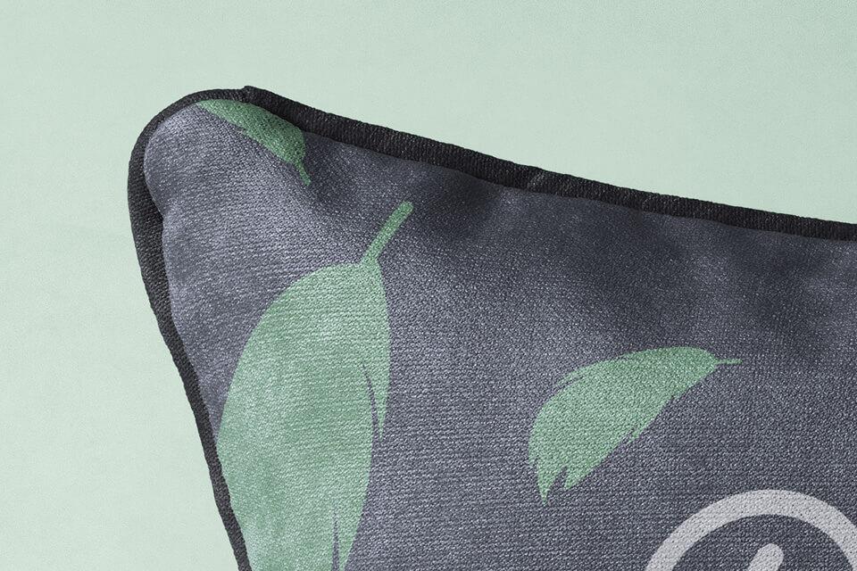 Free Rectangular Pillow Mockup PSD Template1
