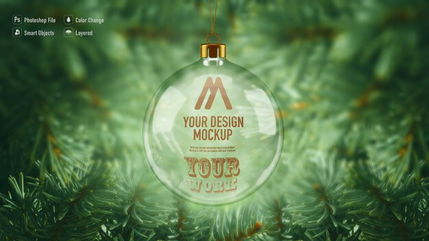 Glass christmas ball mockup hanging from the christmas tree Premium Psd