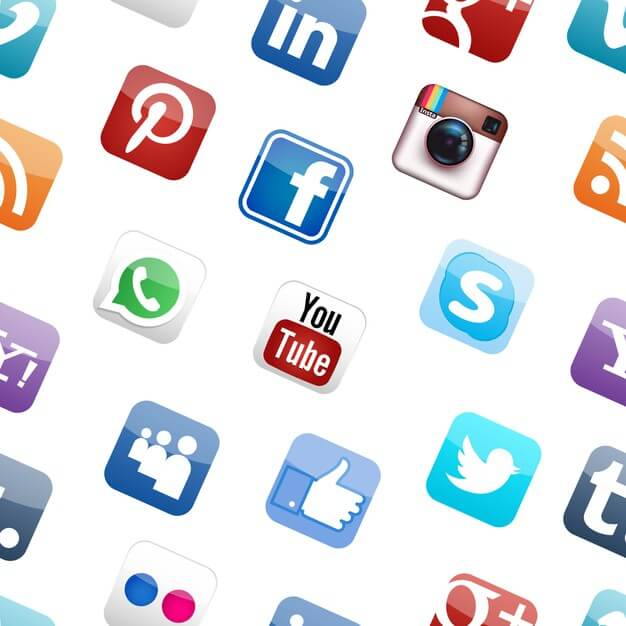 Social media logo seamless pattern white background Free Vector