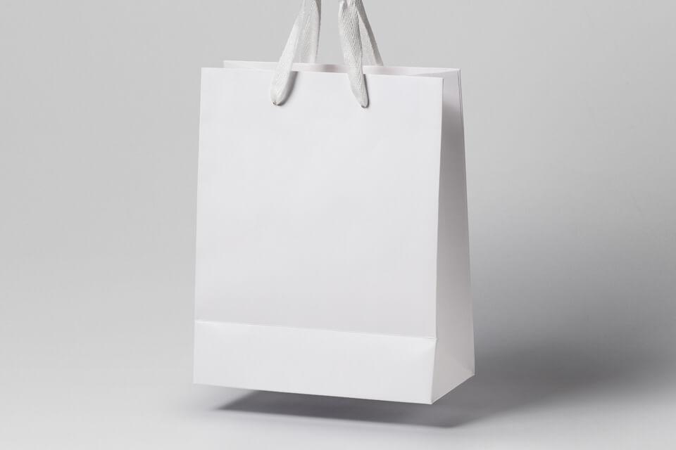 Free Paper Gravity Shopping Bag Mockup PSD Template3
