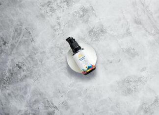 Free Small Glass Spray Bottles Mockup PSD Template (1)