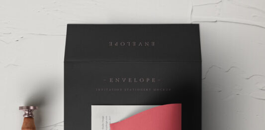 Free Designable Invitation Envelope Mockup PSD Template (1)