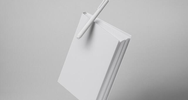 Free Smart Gravity Book Mockup Hardcover PSD Template3 (1)