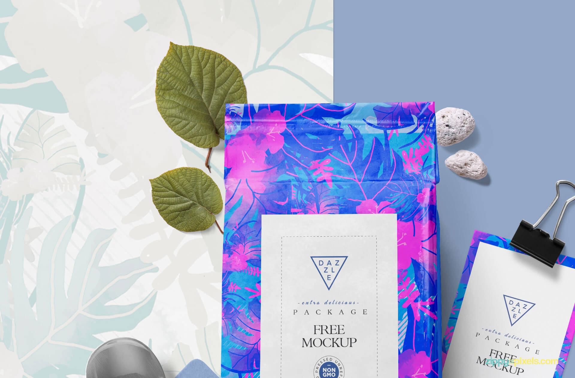 Free Packaging Pouch Mockup PSD Template2 (1)