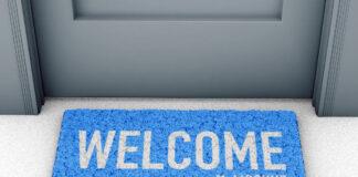 Doormat mockup in front of the door (1)