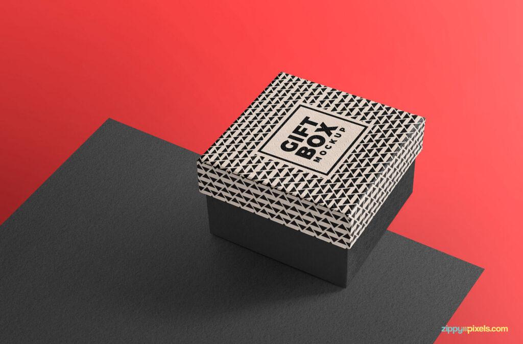 Free Beautiful Gift Box Mockup PSD Template2 (1)