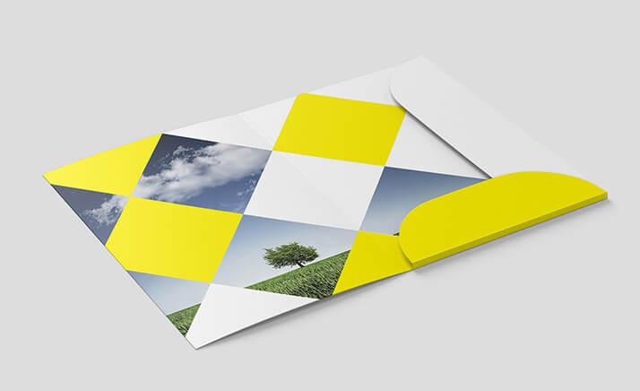 Free Yellow Folder Mockup PSD Template (1)
